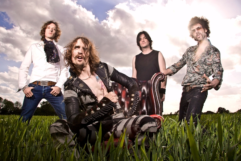 The Darkness Concert Review and New Album Release Info
