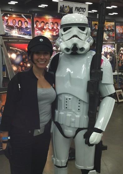 "<img src=""Star Wars Costumed Couple Comic con.jpg"" alt=""2012 Austin Comic Con Costumes"" />"